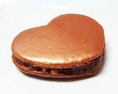 Recette du Macaron au Ferrero Rocher en forme de coeur