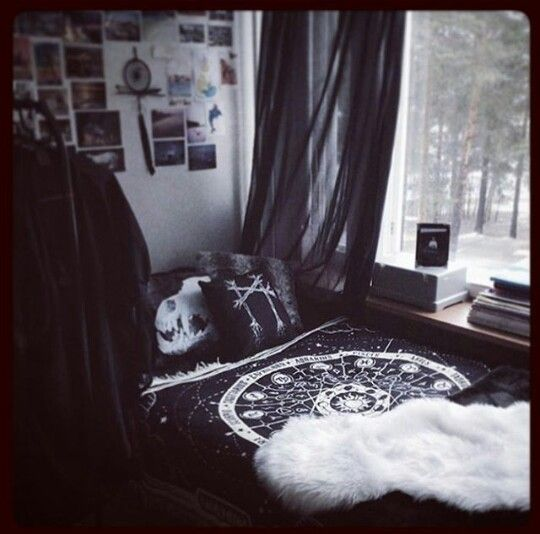 Pinterest Magicandcats V I O L E T T A O P H E L I A Goth Bedroombedroom
