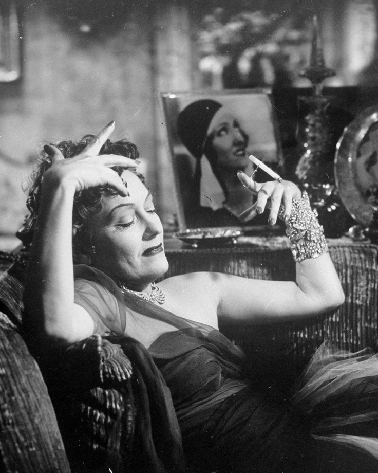 Gloria Swanson Plays Norma Desmond in the Movie 'Sunset Boulevard' Photo