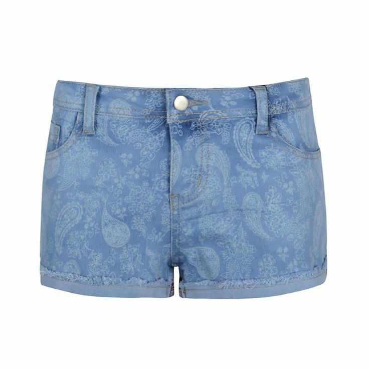 Classic 4-pocket styling denim shorts in paisley print.