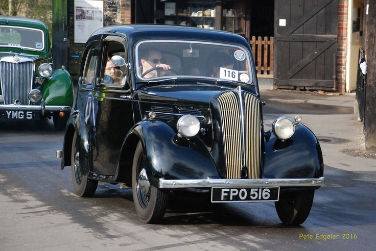 FPO516 1939 1100cc Standard Flying 9 Saloon