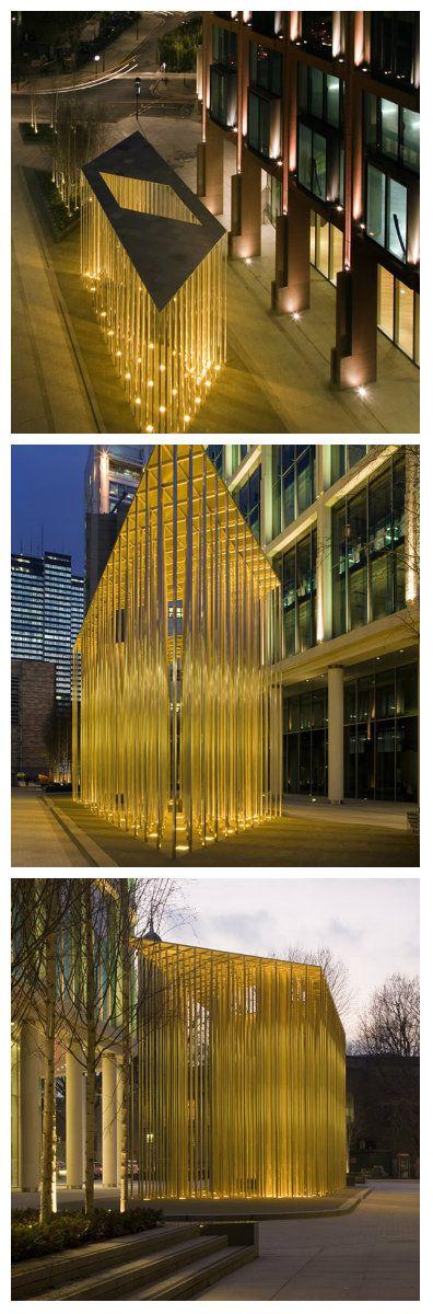 Светодиодная конструкция около Regent's Place в Лондоне, была создана архитекторами Carmody Groarke в сотрудничестве с инженерной группой Arup. Представив данное творение на конкурсе Architecture Foundation, они одержали победу! #светодиоды #светодиоднаяконструкция #освещеннаяконструкция #подсветка #светодиоднаяподсветка #уличноеосвещение #дизайнсвета #освещение #свет #мощныесветодиоды