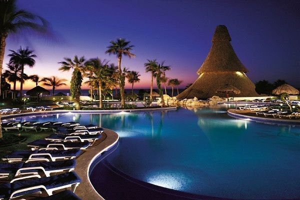 Los Cabos Vacations - Sandos Finisterra Los Cabos All-Inclusive  - Overlooking the town of Cabo San Lucas, this hotel offers incredible views, a secluded seven-acre private beach and a critically acclaimed restaurant.