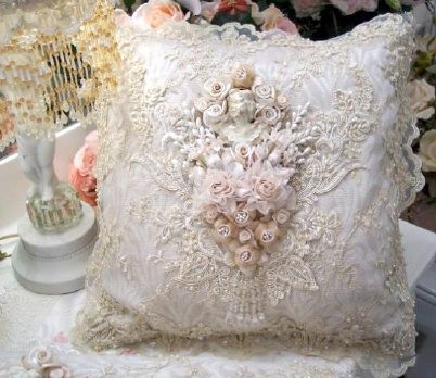 Beautiful: Lace Pillows, Shabby Chic, Pretty Lace, Victorian Pillows, Vintage Pillows, Cushions Vintage, Silk Ribbons, Pretty Cushions, Pretty Pillows