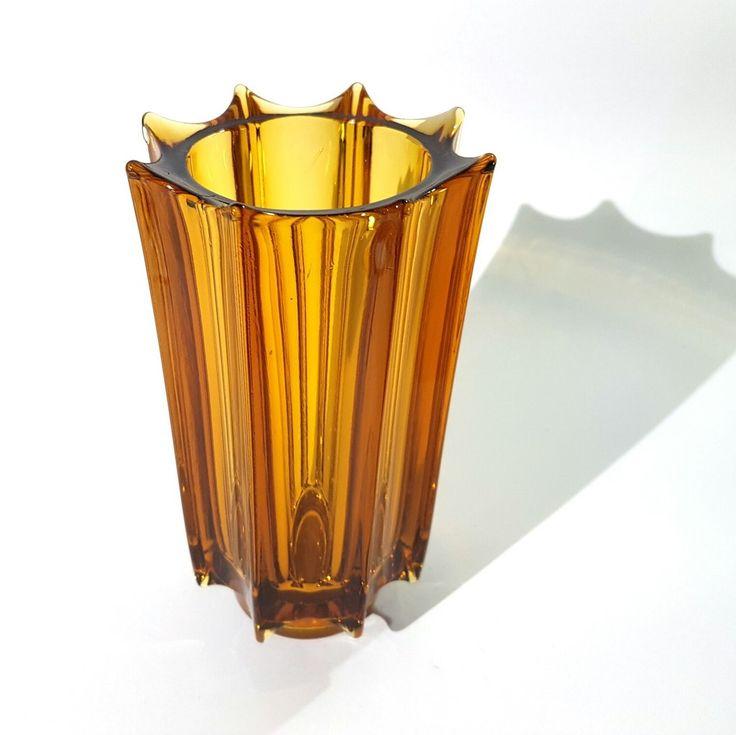 'Iceberg' vase designed by Rudolf Jurnikl circa 1970 for Sklo Union, Rudolfova Hut