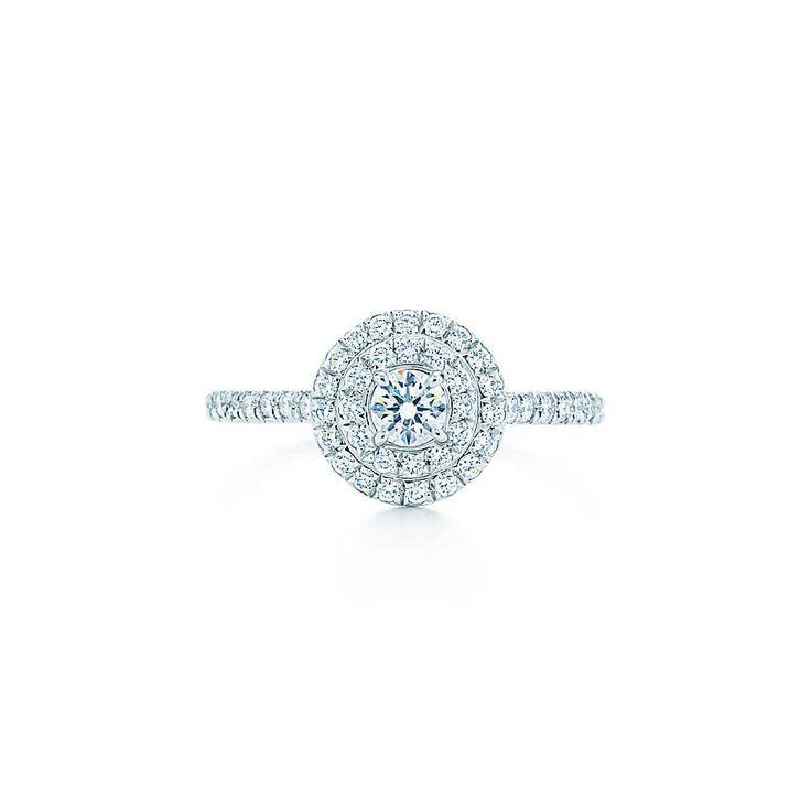 Anel Tiffany Soleste de diamantes em platina. | Tiffany & Co.
