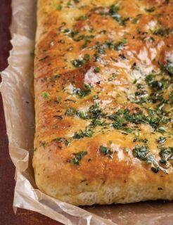 Focaccia con hiervas y puré de patata