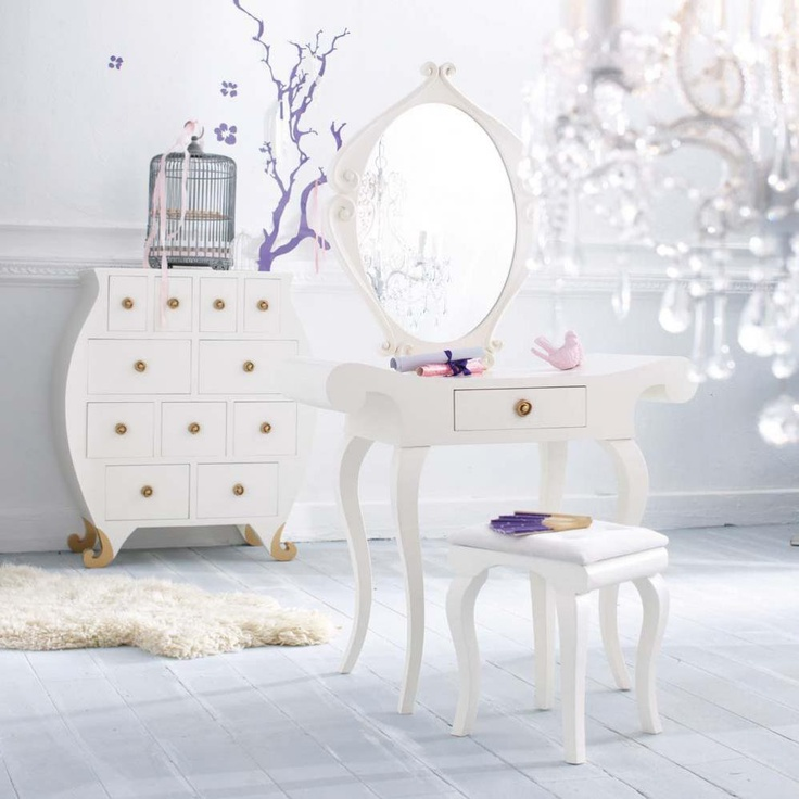 1000 id es sur le th me coiffeuse blanche sur pinterest coiffeuses coiffeuse malm et miroir. Black Bedroom Furniture Sets. Home Design Ideas