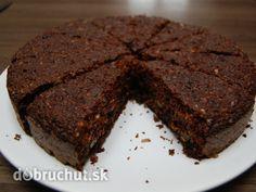 Orechovo-cícerový koláč bez múky