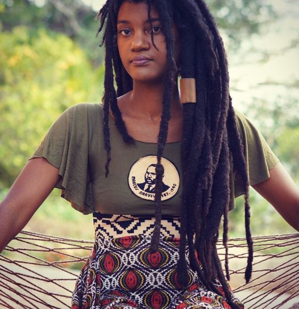 Love the wooden hair cuff. JDStyle/Locs/Dreads/Reggae/Hair/Rasta/Music/Celebs