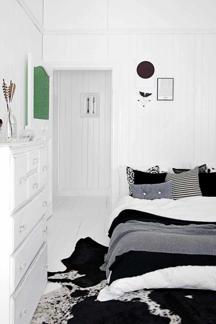 bedroom-black-white-panelling-Barter-home-Jan15-jpg