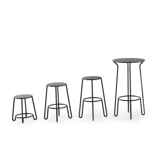Antoine Lesur a imaginé pour l'éditeur Made in Design une collection d'assises, de tables et de portemanteaux. Au travers d'un design épuré il revisite un mobilier de style bistro. ...
