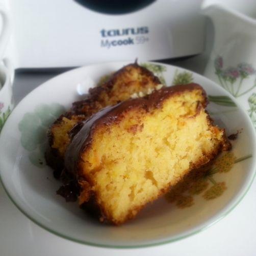 Bizcocho de naranja con cobertura de chocolate para #Mycook http://www.mycook.es/receta/bizcocho-de-naranja-con-cobertura-de-chocolate/