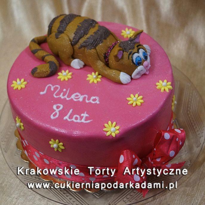 110. Różowy tort z kotkiem. Pink cake with cat.