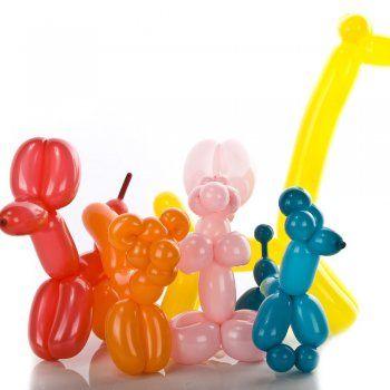 Figuras de animales con globos.