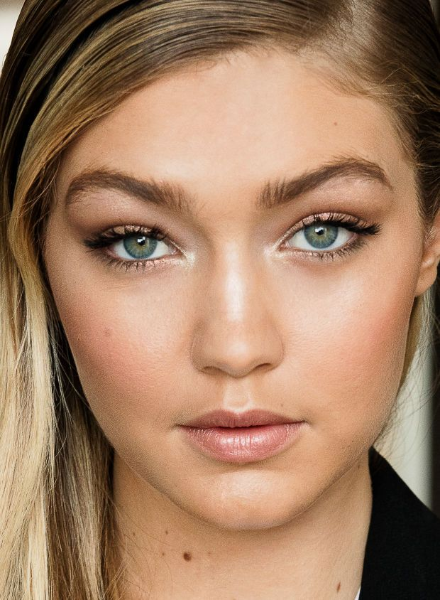 Gigi Hadid: close-up on the Maybelline spokesmodel's MMVA makeup.