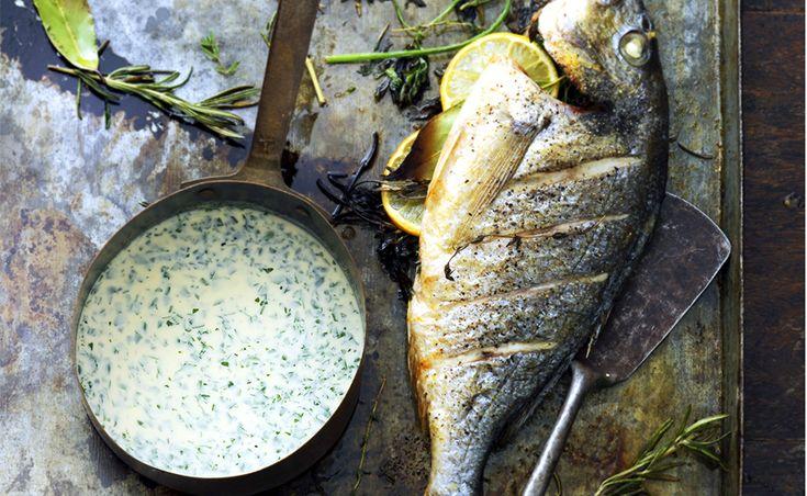 Met de goedeingrediënten, trek jezelf de meest smaakvolle visbouillon, verzekert delicious.friend Eke Mariën. Deze normandissche vissaus is easy!