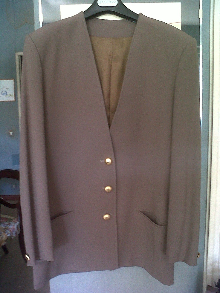 70s Max Mara suit with golden buttons