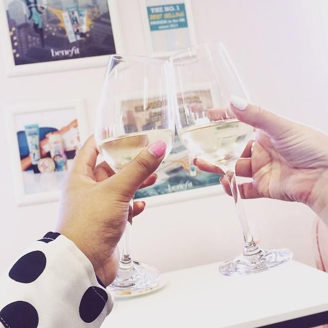 A little #cheers moment with @volleyvonty at yesterday's wine tasting night at #Benetowers! #lifeatbenefit