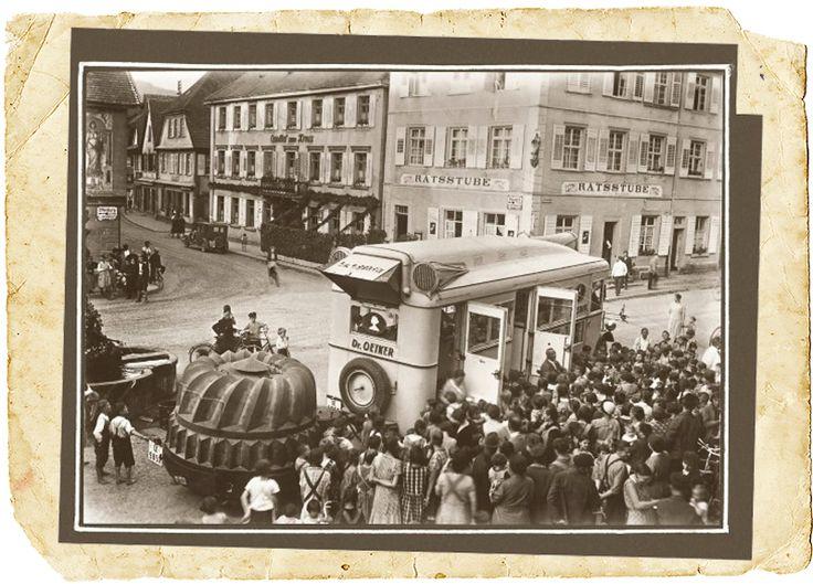 Der Dr. Oetker-Werbewagen in Aktion, 1933