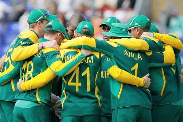 Indian Cricket Team Leaves For South Africa: South African Cricket Team Form A Team Huddle Ahead Of