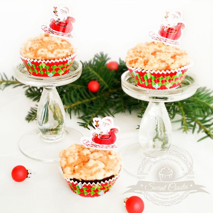 Muffiny z jabłkiem krówkami i kruszonką | Świat Ciasta