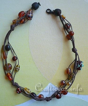 Easy necklace...great for gifts...could make in several colors.: Beaded Necklaces, Color, Collar, Diy Jewelry, Craft Projects, Diy Wearables, Art Dolls, Craft Ideas, Diy Projects