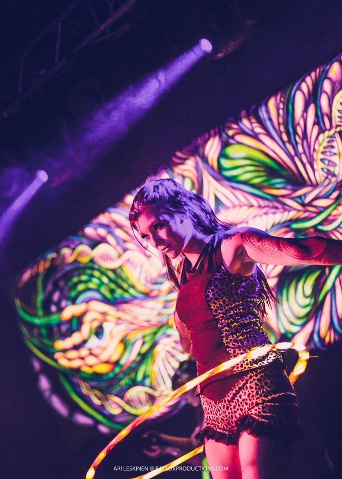 Party ON! www.Belenosshow.fi #belenos #showlife #ledhoop #hoopdance #hooping #vannetanssi