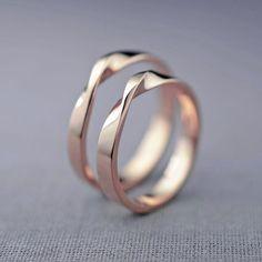 14K Rose Gold Mobius Wedding Ring Set Hers and von LilyEmmeJewelry