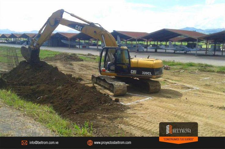 """#Hangar #aeropuerto #pbeltrom . Proceso de remoción de tierra en nuestra obra de desarrollo de la III Etapa de Hangares del Aeropuerto Metropolitano. Avanzamos para construir tus sueños. . Conoce mas en: http://ift.tt/2pcw9de . """"construimos tus sueños"""" . #caracas #avioneta #helicoptero #vuelo #viaje #aviacion #aviation #fjy #lujoso #aviacionprivada #aviacionvenezolana #venezuela #valencia #charter #privajet #jetprivado #jet #hoy #today #firtclass #primeraclase #piloto #pilote #volar #air…"""