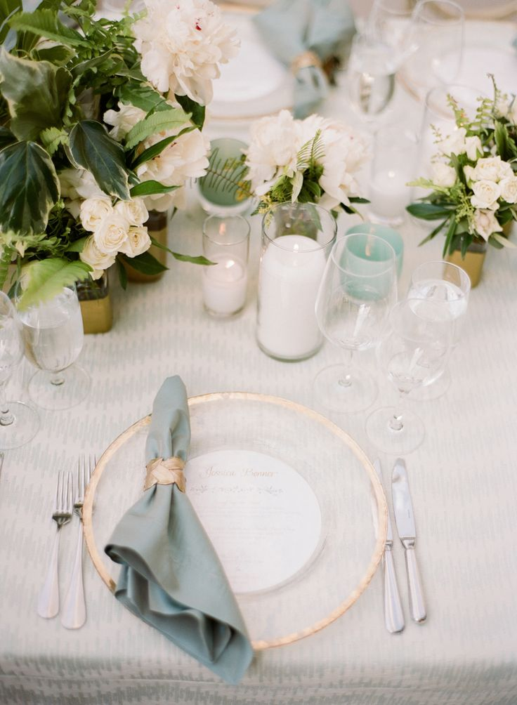 La Tavola Fine Linen Rental: Wavering Glacier with Topaz Duck Egg Napkins and Chair Cushions | Photography: Sylvie Gil Photography, Event Planning & Floral Design: Florabella, Rentals: Theoni Collection, Blueprint Studios and Hensley Event Resources