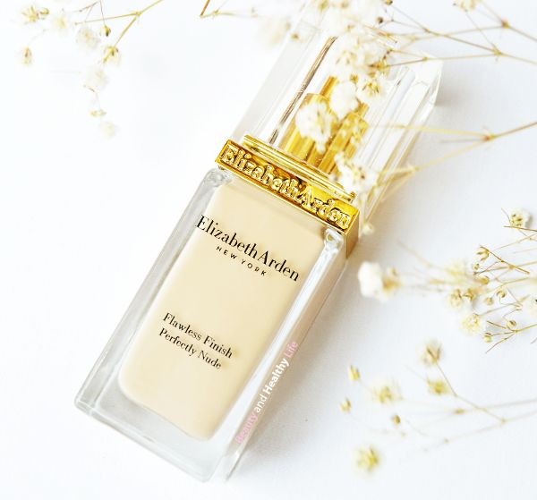 Elizabeth Arden Flawless Finish Perfectly Nude foundation SPF 15, mi base de maquillaje hidratante de cabecera
