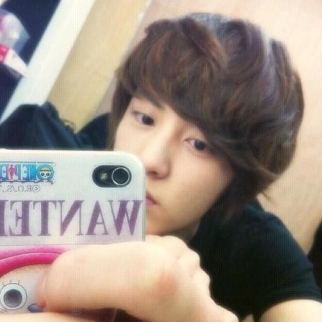 It's predebut but he looks perfect chanyeol
