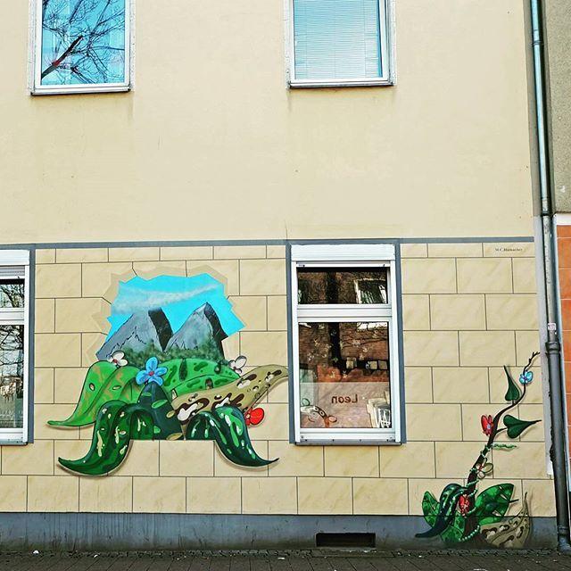 **Wetterstraße, Flingern** #düsseldorf #dusseldorf #duesseldorf #nrw #Deutschland #germany #igersduesseldorfofficial #lovedüsseldorf #ig_düsseldorf #landeshauptstadt #dus #schönstestadtamrhein #0211 #nullzwoelf #thisisdüsseldorf #mydüsseldorf #likedüsseldorf #grafitti #art #wallart #instalikes #urbanart #wandtattoo #flingern #haus #fassade #fenster #taglifegraffiti #sreetartatlasdüsseldorf