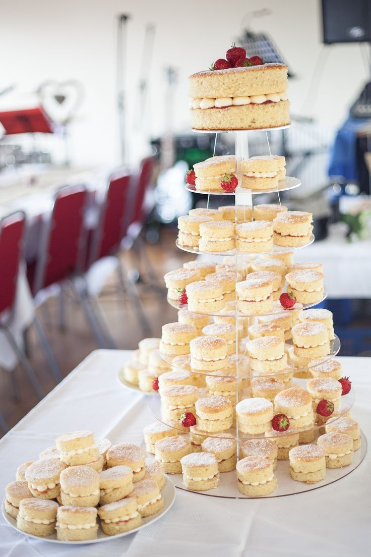 Mini victoria sponge wedding cakes