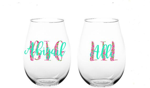 This set of decals is perfect to show your big or little how much you love them (and Lilly Pulitzer!) You can put it on a wine glass, water bottle, car, phone, laptop, or pretty much any other flat surface!  △△THIS DOES NOT INCLUDE THE WINE GLASS. IT IS JUST THE DECALS△△  The more you buy, the cheaper the decals get!!  Copy and Paste this in the note to seller box when ordering!!  BIG PATTERN: NAME: NAME COLOR:  LIL PATTERN: NAME: NAME COLOR:  This comes in sets of 2 (Big/Little), 3 (Big...