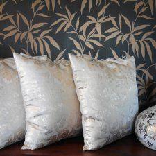 Szykowna, złota poduszka dekoracyjna