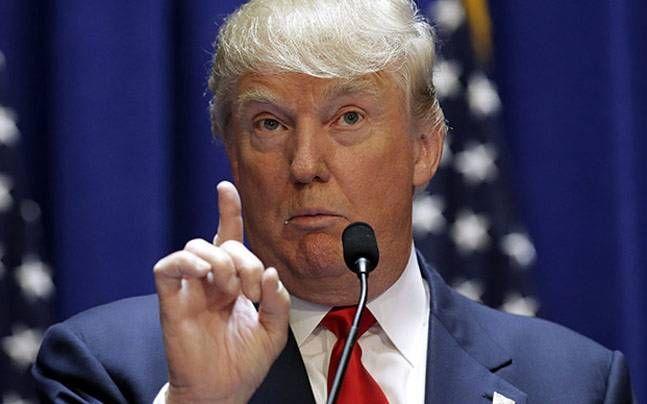 """Trump continua a spararne di grosse. No, non parlo di bombe, ma di baggianate. Ultimamente ne dice così tante e di tale portata che sembra stia facendo a gara con qualche altro genio politico. E per la serie """"la sai l'ultima"""