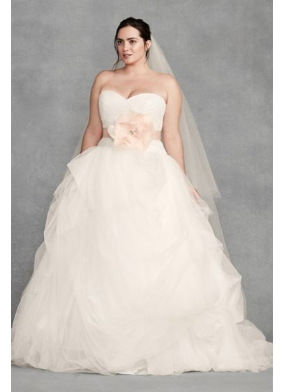 7915ce56dc0 White by Vera Wang Macrame Plus Size Wedding Dress 8VW351339