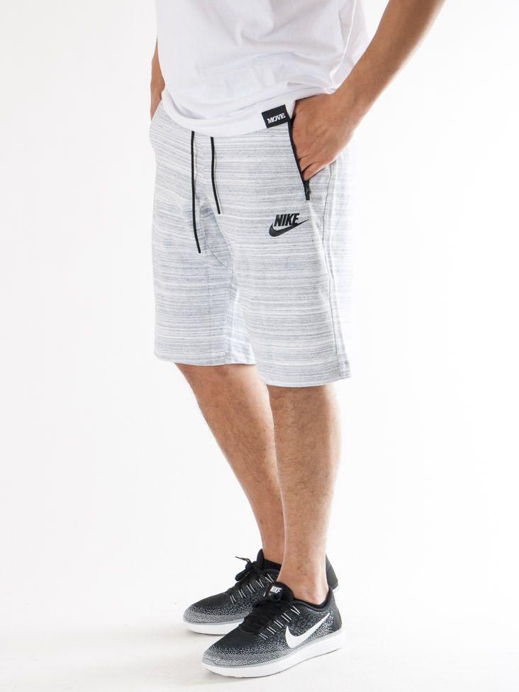 Scopri Pantaloni corti tuta Nike Sportswear Av15 Short Knit Nike Sportswear. Approfitta delle migliori offerte Streetwear e Sneakers e Acquista Online su Moveshop.it!