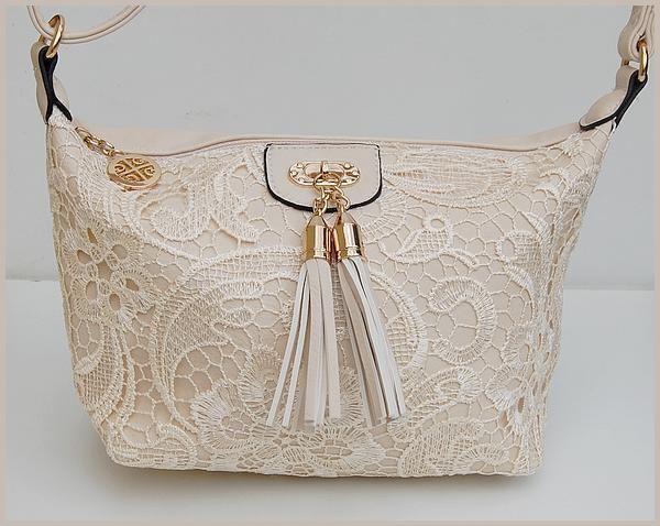 Petit Sac Bandouliere Femme Guess : Petit sac a main femme dentelle pompons chic epaule