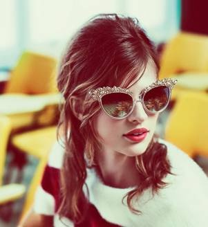 too lovely: Shades, Fashion, Cat Eyes, Cats Eyes Sunglasses, Ads Campaigns, Red Lips, Styles, Mert Marcus, Accessories