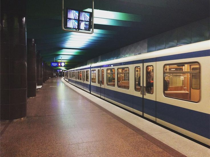 59/365 | 28.02.2017 | 365.tobiashage.de |  #achisto365 #365photochallenge #365project #münchen #munich #ubahn #subway #iphone #iphone5s #city #citylife