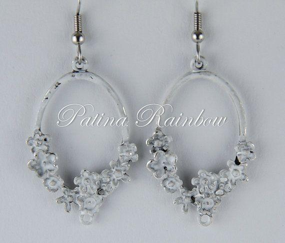 White Boho Bridal Earrings Flower Earrings by PatinaRainbow