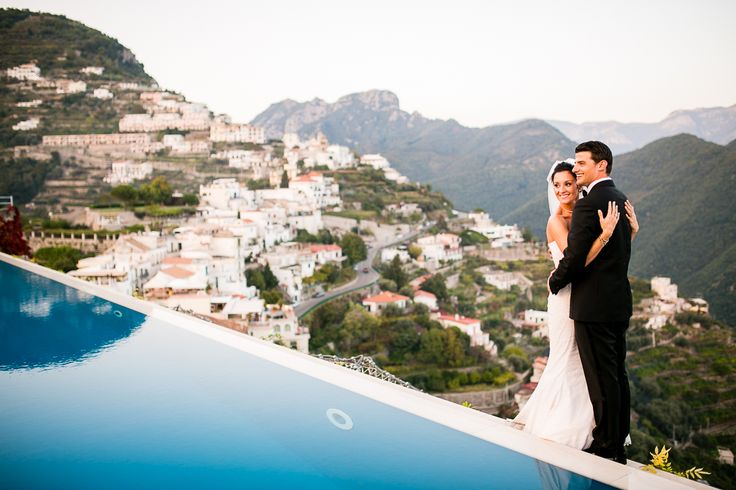 Gorgeous intimate wedding in Italy photographed by Kevin Liang Photography. Love this shot they took right on the edge of an infinity pool! Beautiful #weddingphotography