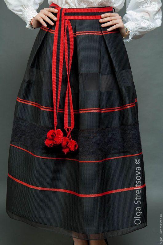Юбки ручной работы. Заказать Черная юбка в складку из тафты. Ручная вышивка от Ольги Стрельцовой. Ярмарка Мастеров. Юбка
