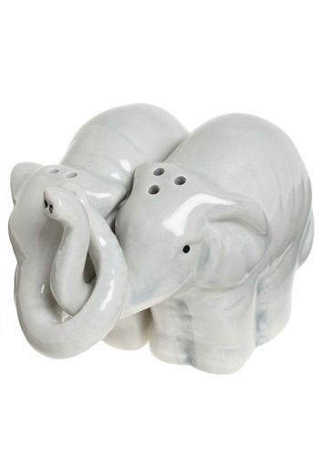 *Shanna* Elephant salt n pepper shakers Trunks Full of Taste Shaker Set,