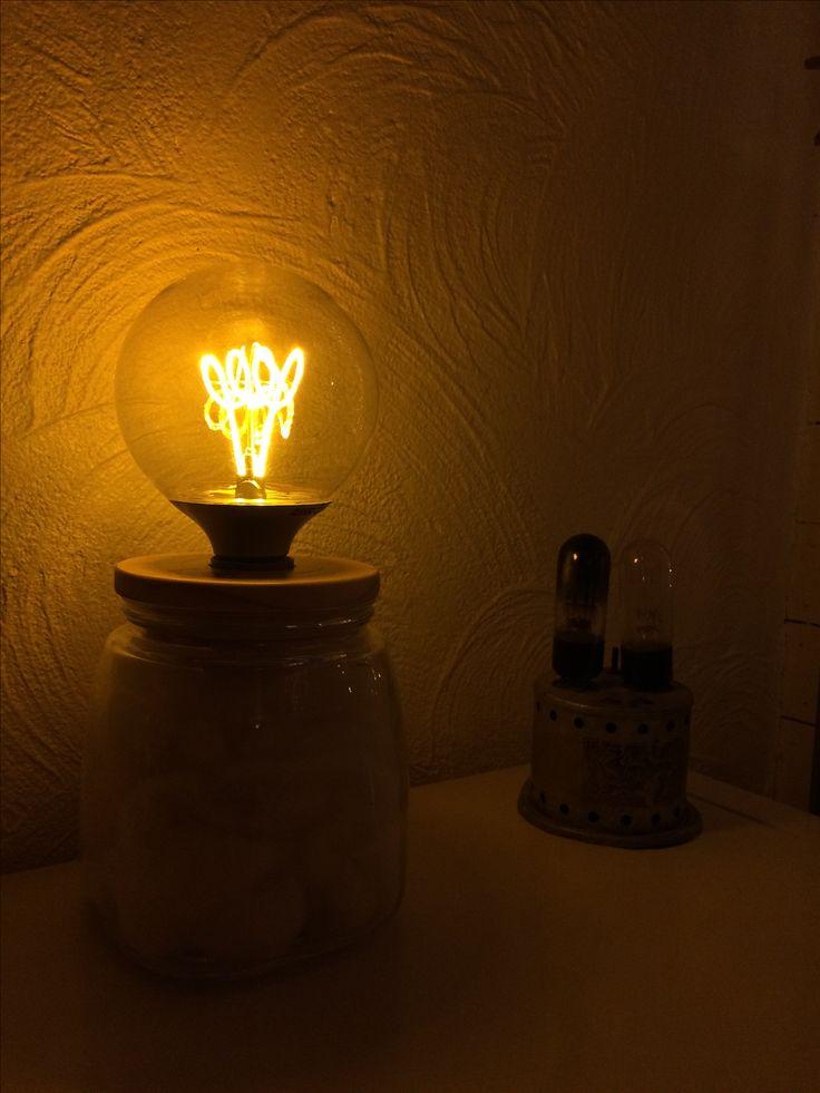 Voorraadpot van Xenos gecombineerd met een led-lamp van Ikea... gat in het deksel gemaakt en..voila💡