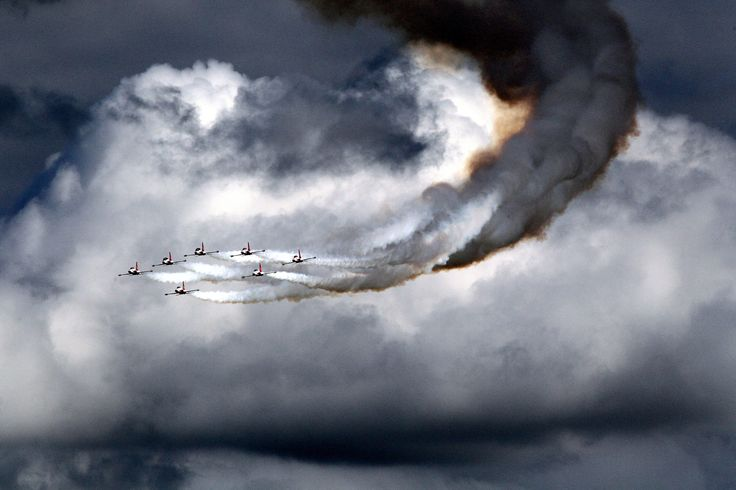 An aerobatics team from the Turkish Air Force performs during the second day of the Berlin Air Show (ILA) at Schoenefeld Airport in Berlin, Germany, Sept. 15. The aviation trade show south of Berlin takes place from Sept. 11 - 16.  (Photo: Wolfgang Kumm / EPA)