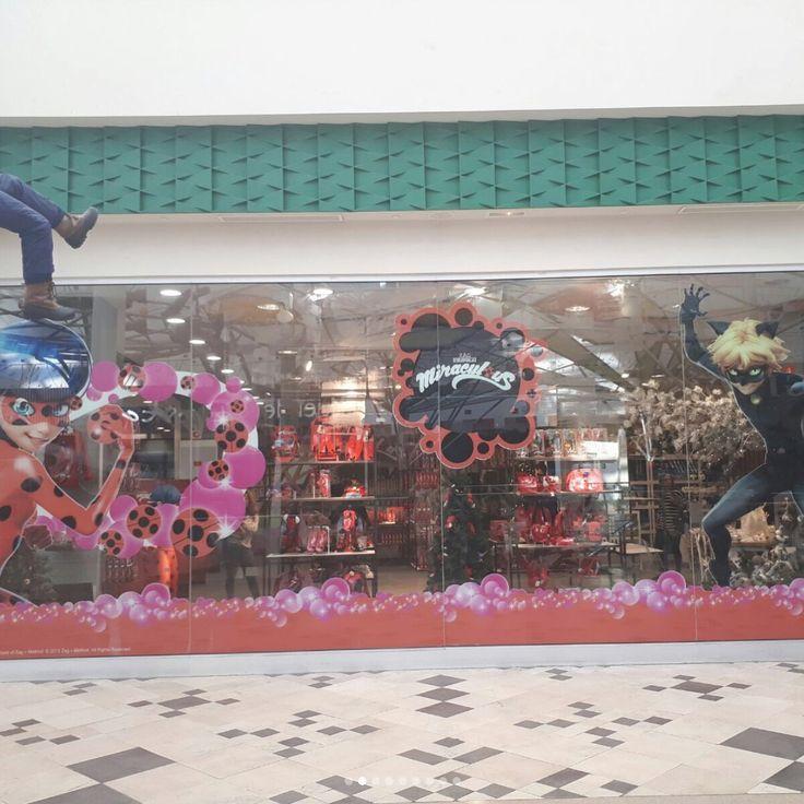 Screeeeeeeee << guyyyyyss!!!!! First official miraculous store opened in Madrid, Spain!!! If this is old news, spare me